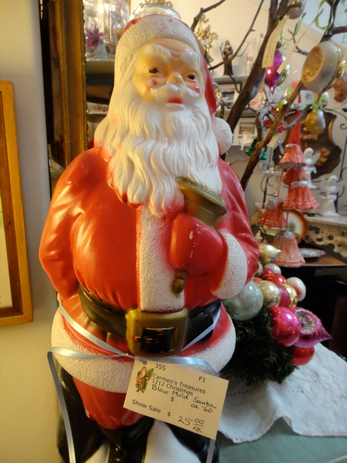 Vintage Santa blow mold, whatever that is!